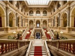 imagine din interiorul Muzeului Național din Praga