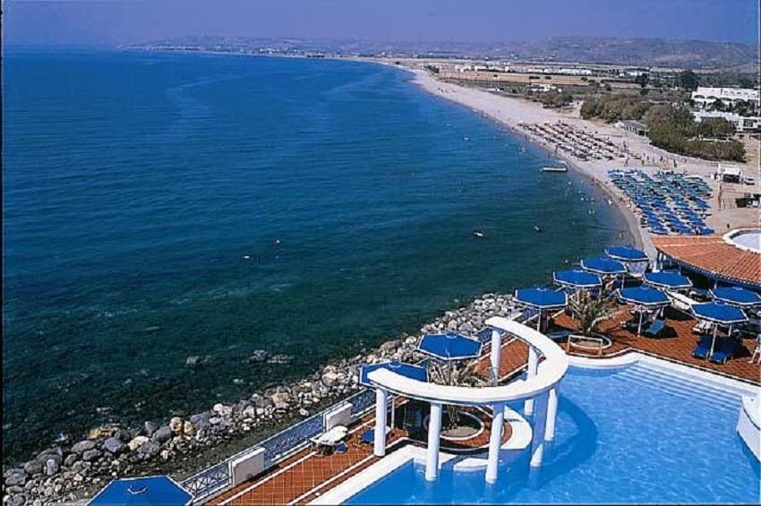Plaja Kardamena cu nisip fin și ape cristaline