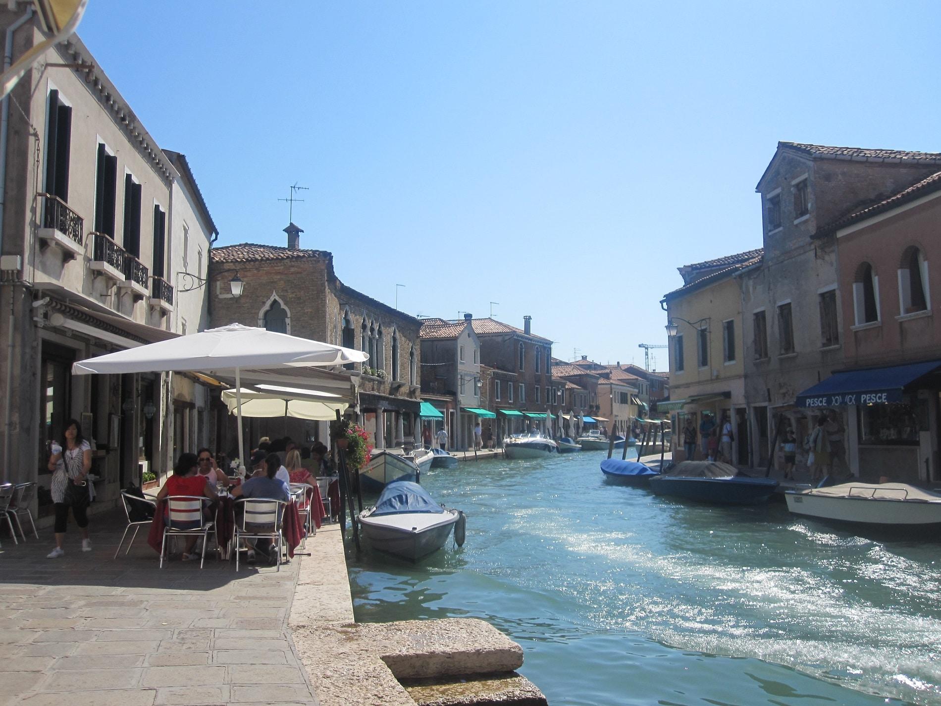 Stilul de viață relaxat al oamenilor din Murano