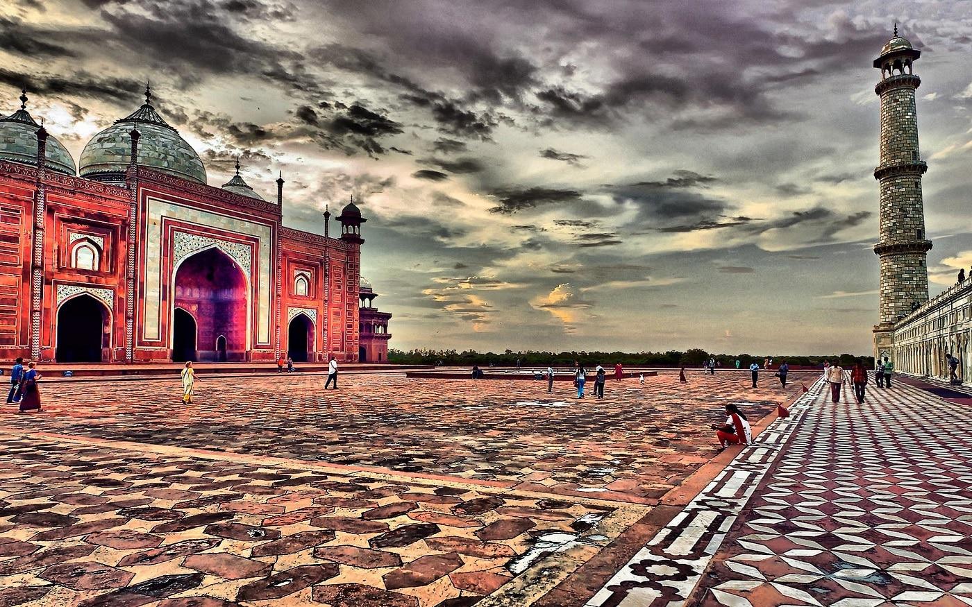 Agra, orașul alcătuit din numeroase monumente renumite în întreaga lume