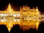 Dacă ajungi la templu ar fi bine să admiri frumoasa construcție și noaptea