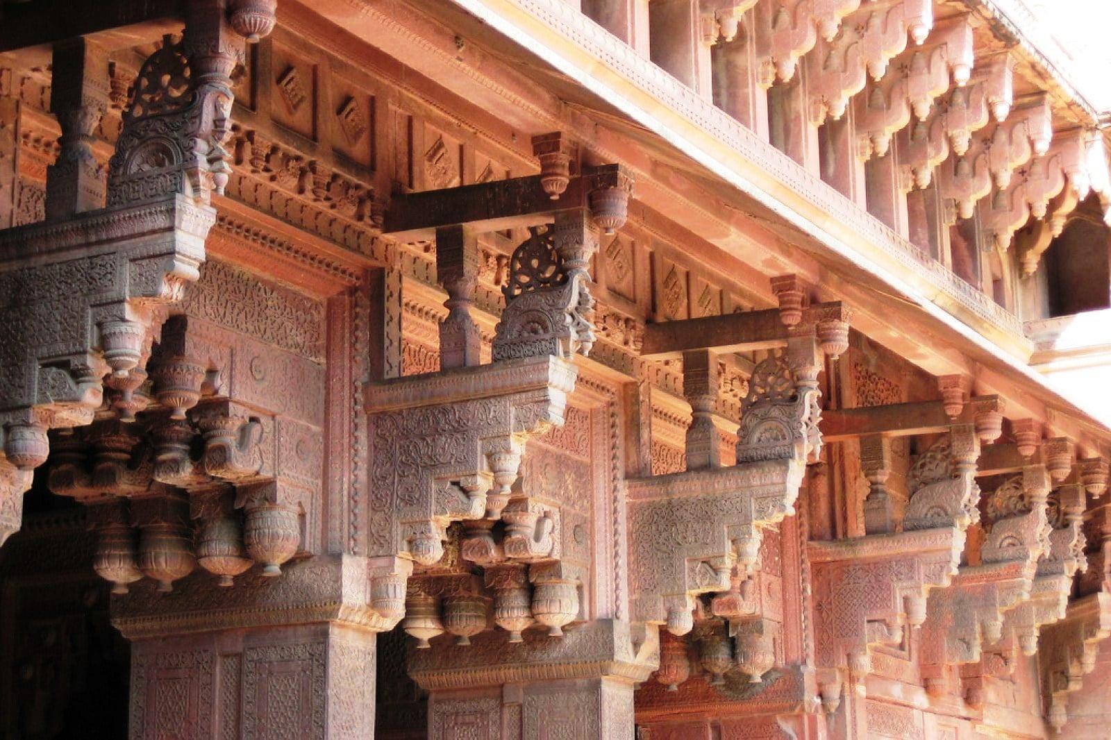 Fortul din Agra, detalii arhitecturale