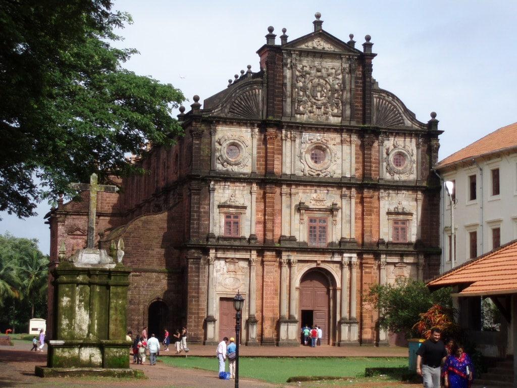 Basilica Bom Jesus din Goa - unul dintre cele mai mari edificii romano-catolice din Asia