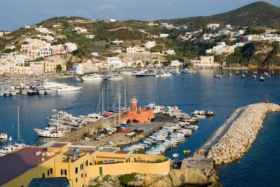 Insula Ponza, un loc de vis!