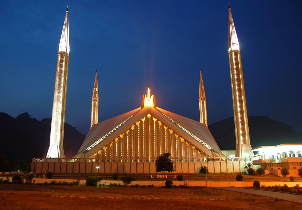 Moscheea Faisal, locul unde credința nu are margini