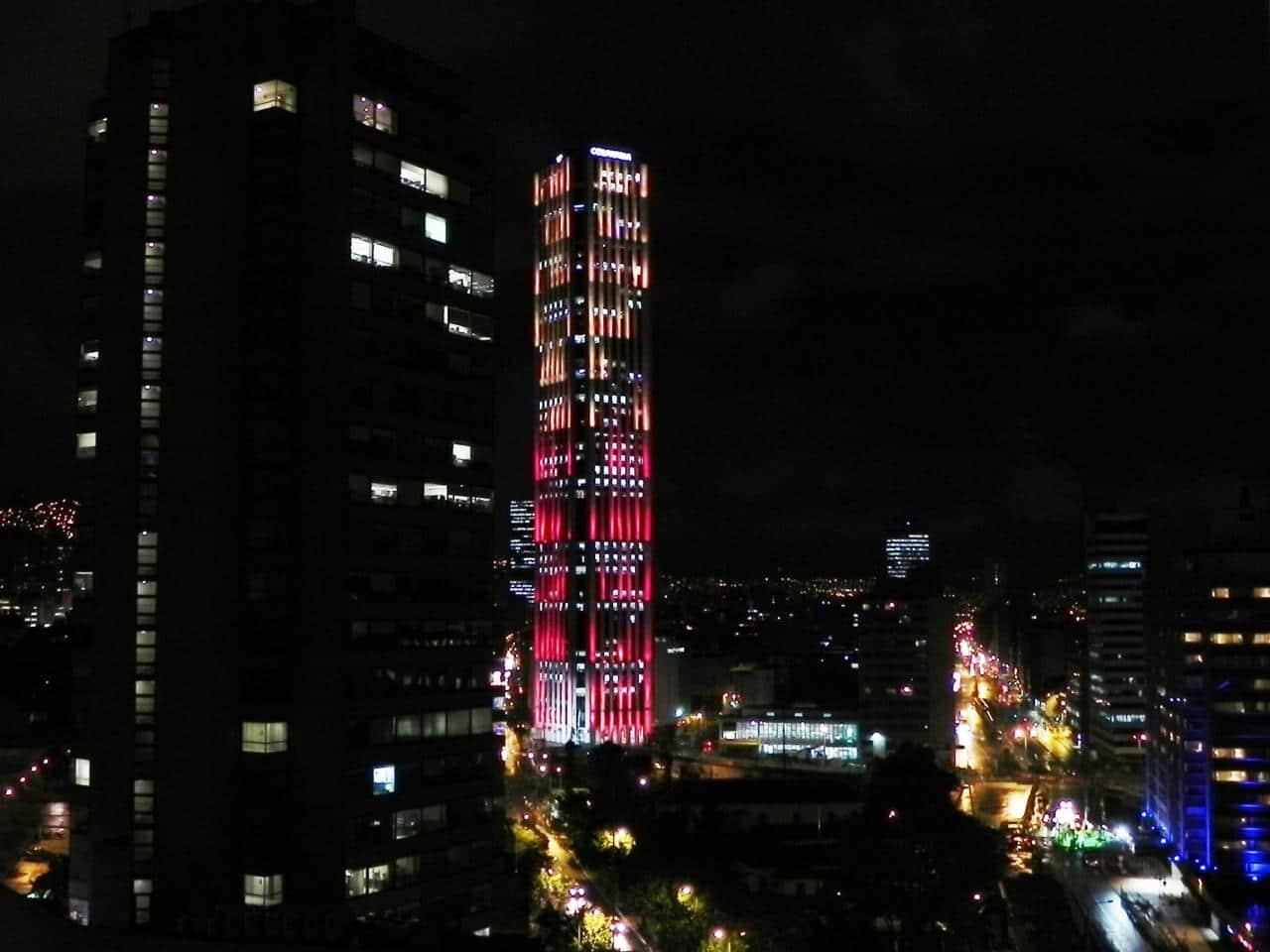Turnul Colpatria, o construcție multicoloră
