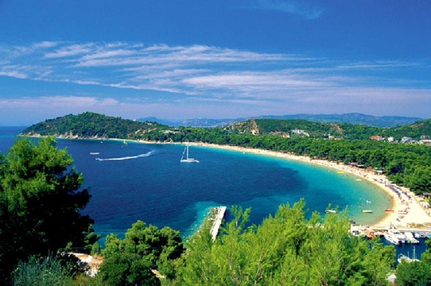 Frumoasa Plajă Koukounaries din Skiathos