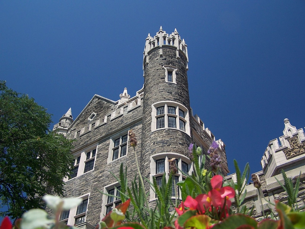 Casa Loma, castelul desprins din cărțile cu povești