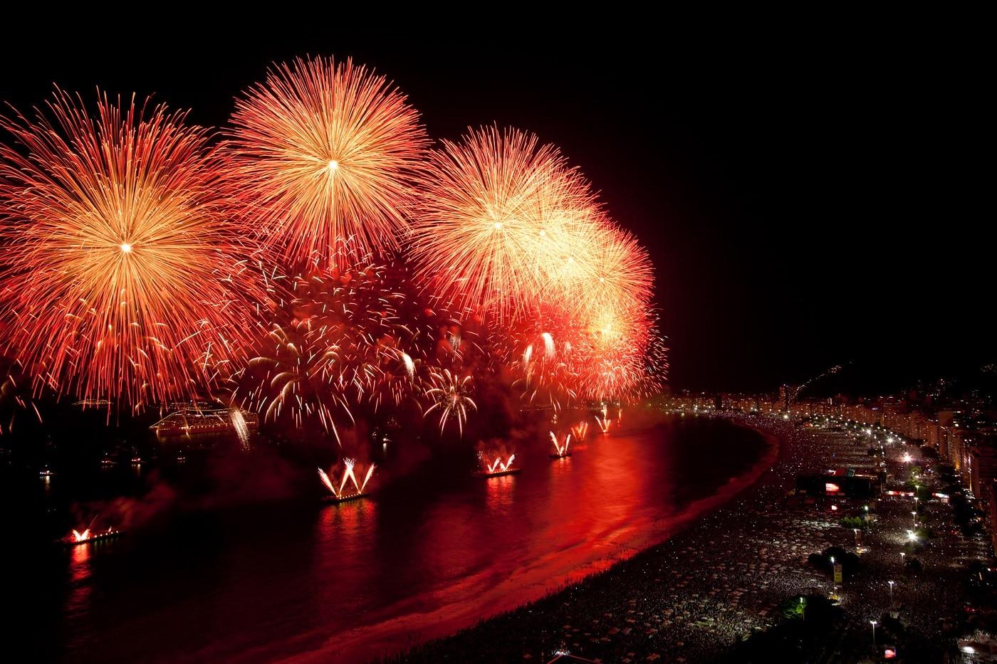 Focul de artificii care marchează trecerea în noul an este un spectacol în sine