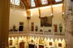 Interiorul castelului evidențiază frumusețea vremurilor străvechi