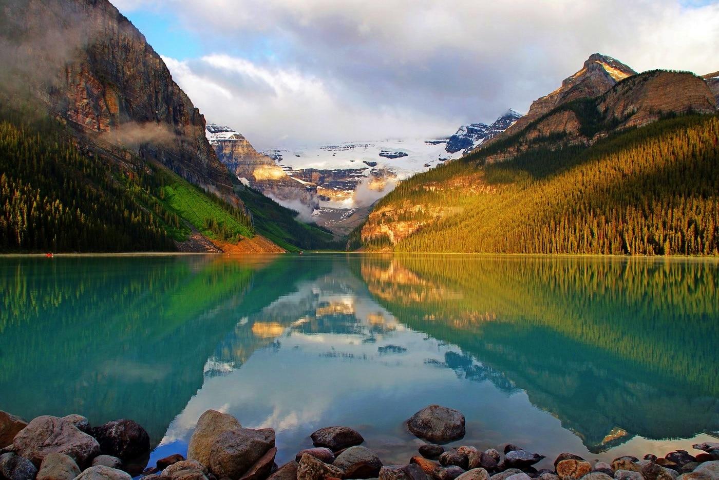 Lacul Louise, oaza dintre munți