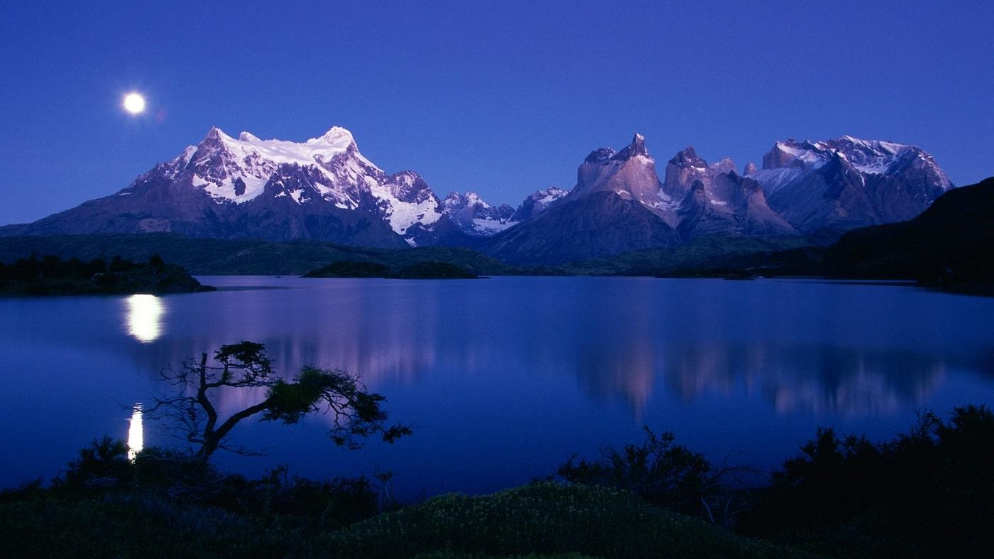 Lacul Pehoe din Torres del Paine