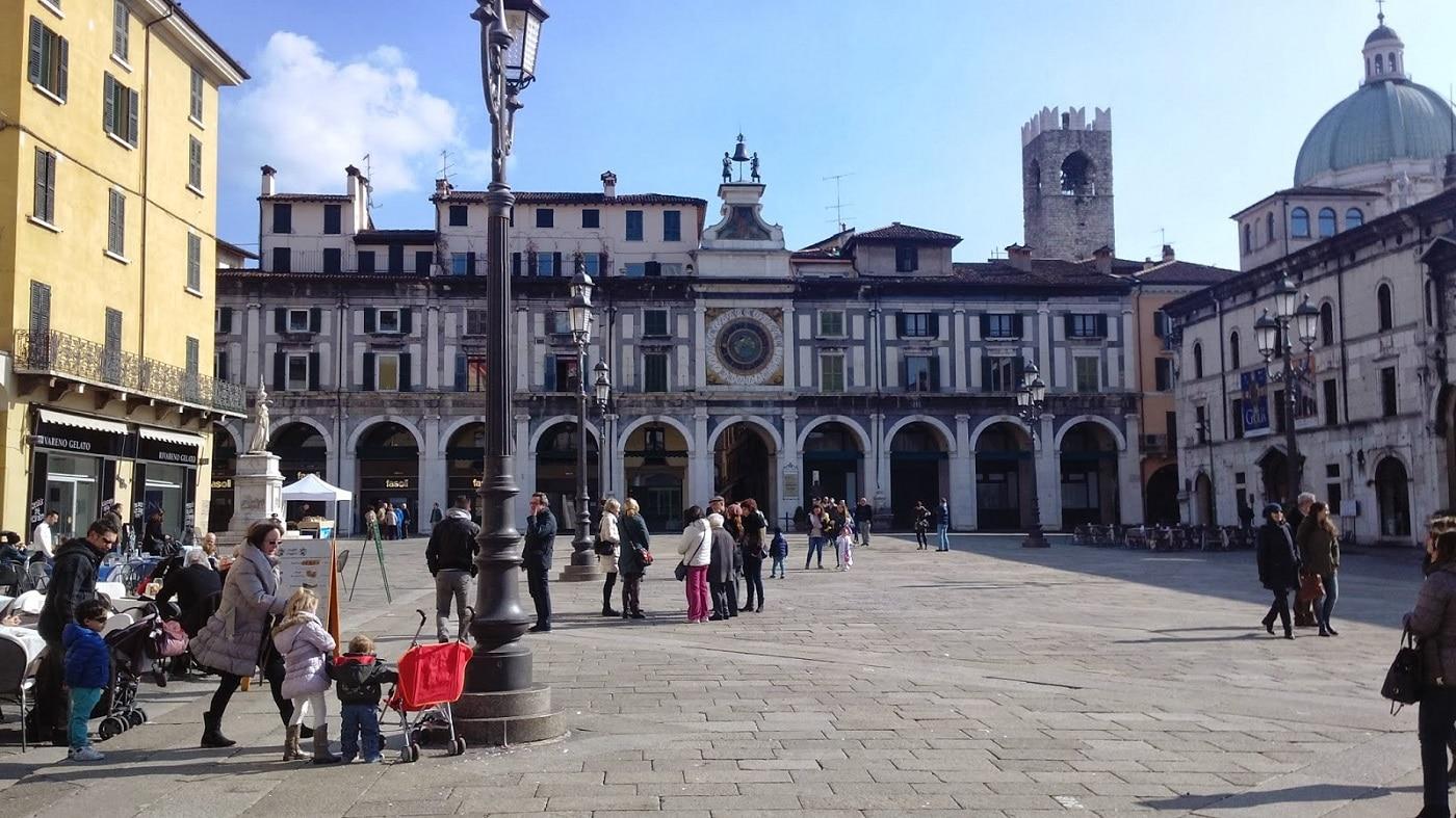Primăria din Brescia, o clădire impunătoare