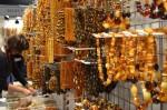 Bijuteriile din chihlimbar se regăsesc în mai toate magazinele din oraș