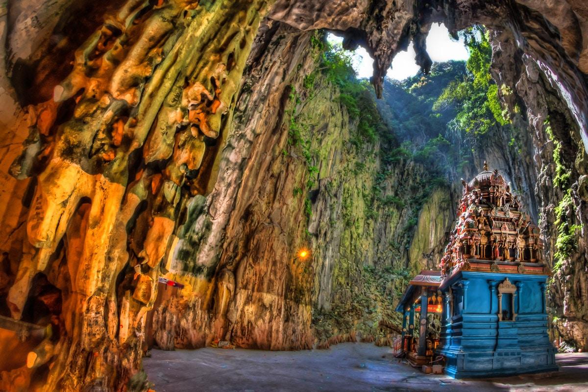 Interioarele peșterilor sunt uimitoare