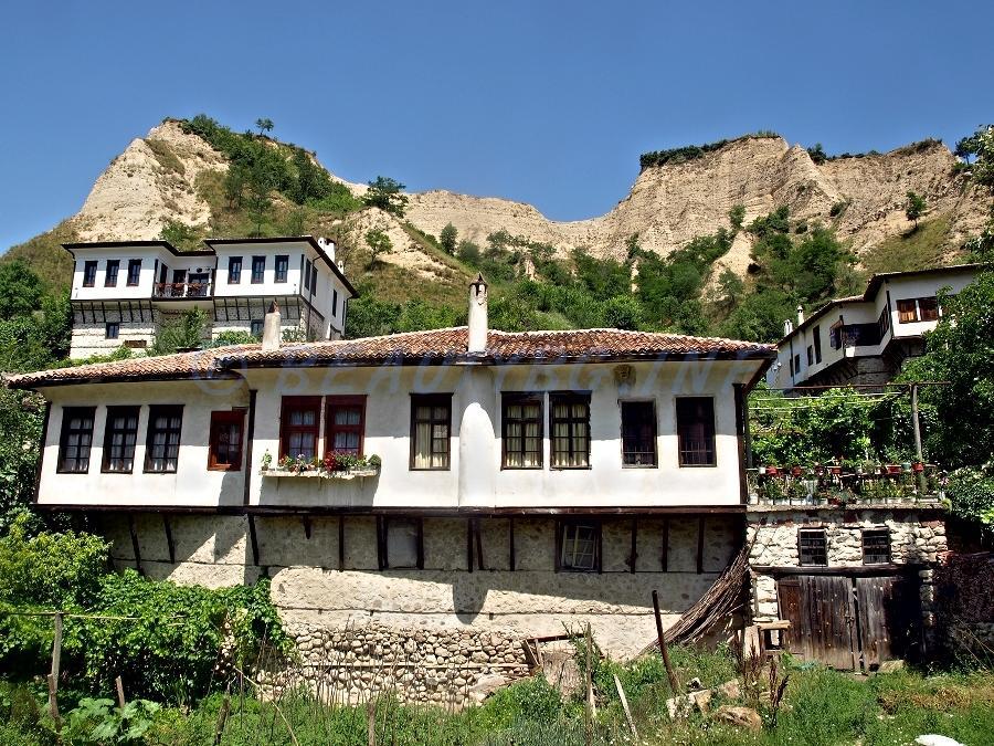 Melnik este alcătuit numai din clădiri istorice