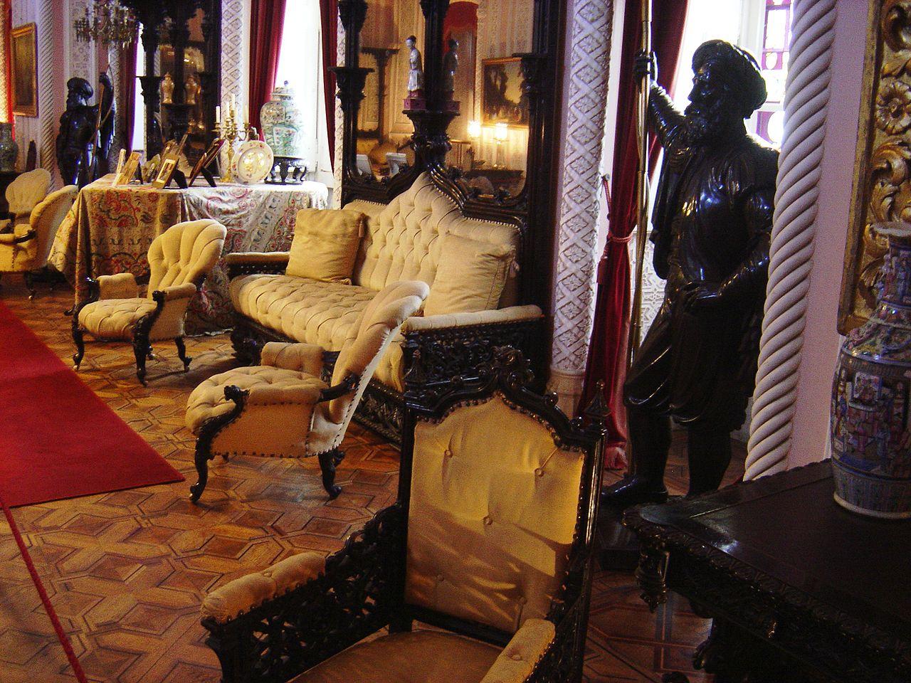 Palatul este decorat cu mobilier de cea mai bună calitate