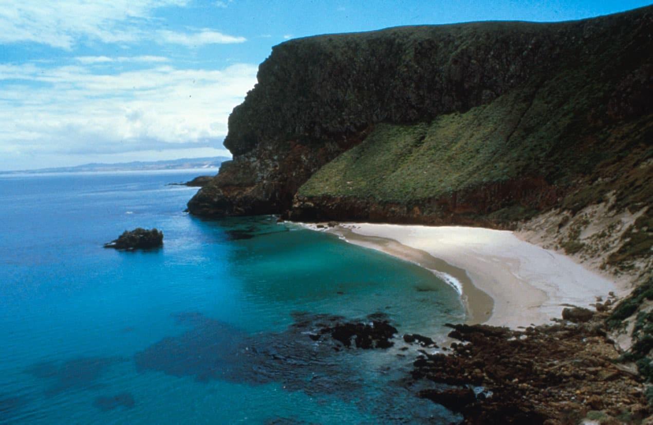 Plajele de pe insulă sunt apreciate de către turiști