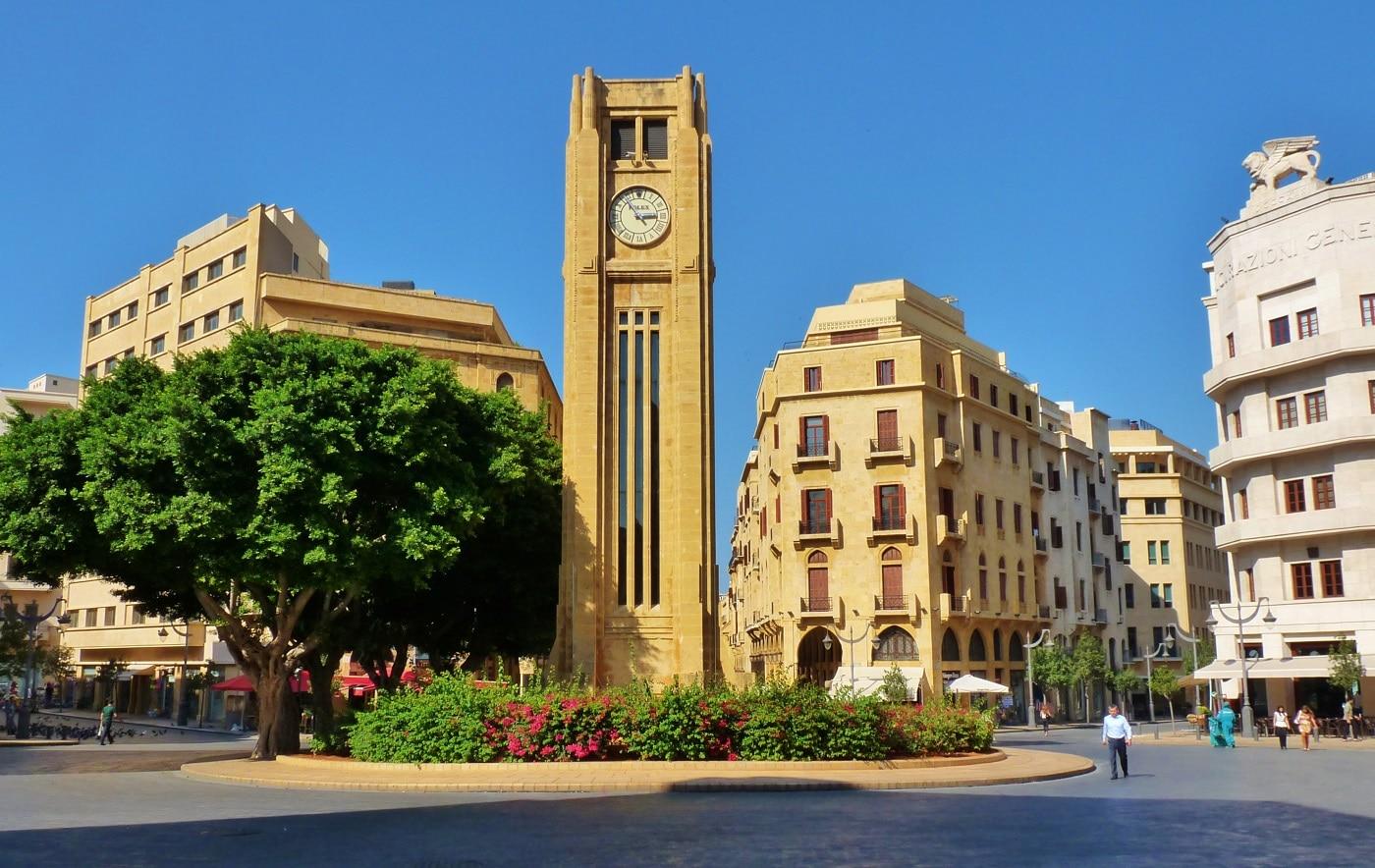 Turnul cu ceas din Place de l'Etoile