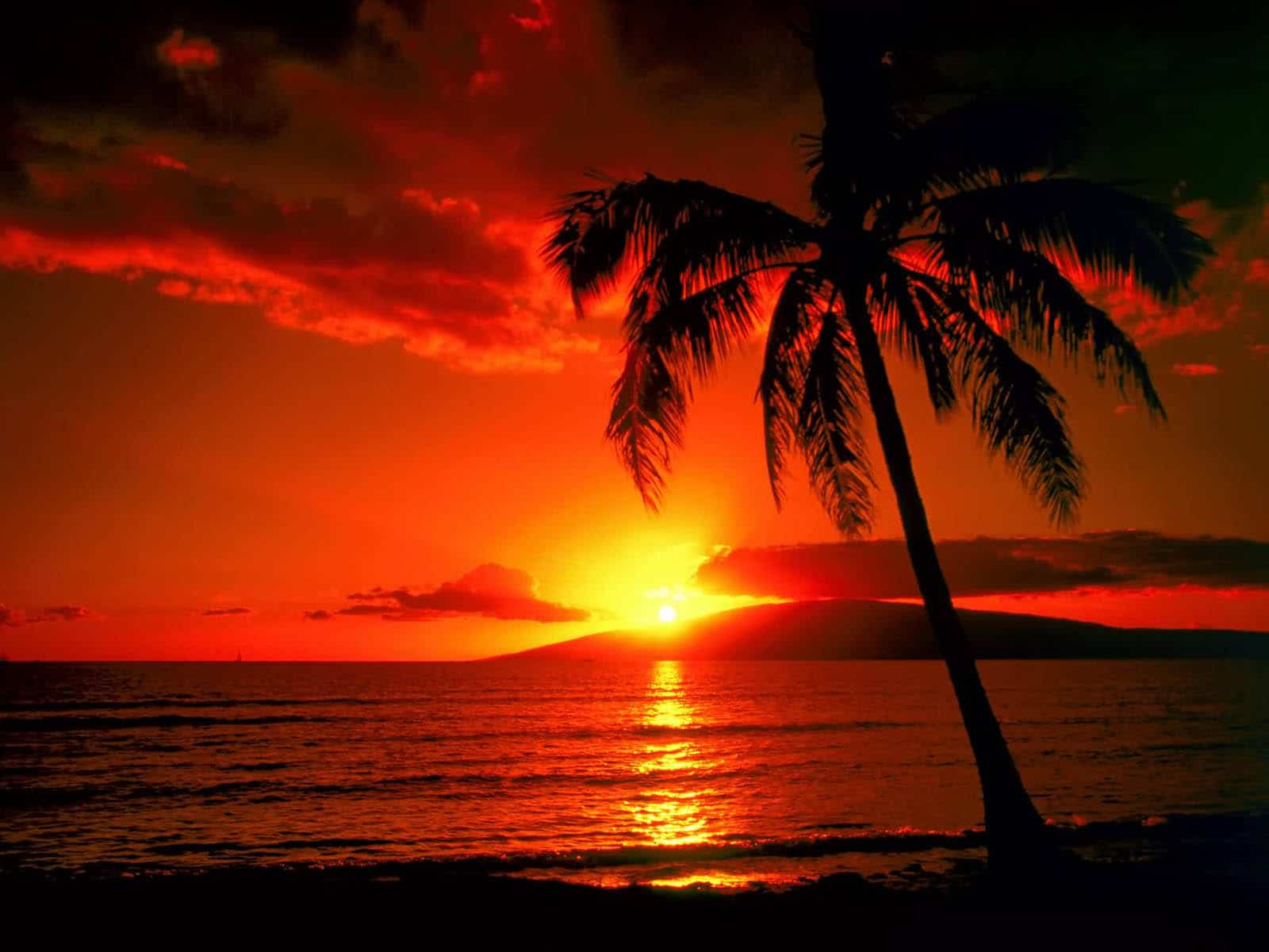 Apus de soare pe Insula Maui
