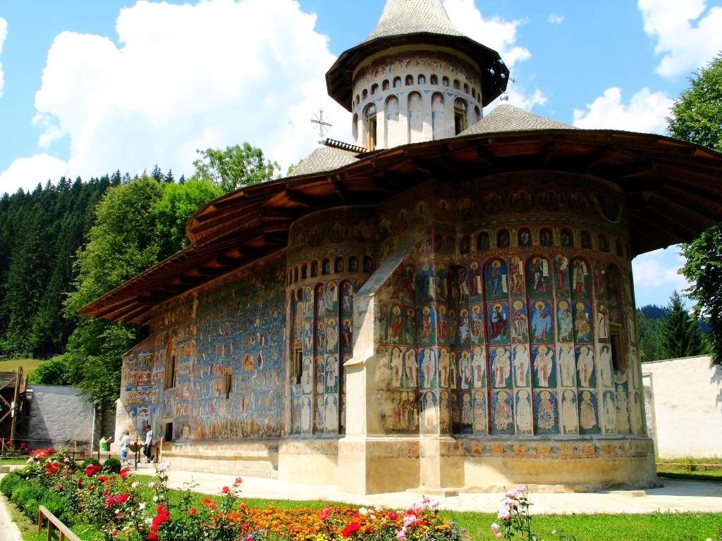 Mănăstirea Voroneţ şi albastrul său devenit deja o legendă