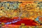 Râul Tinto crează un peisaj aproape ireal