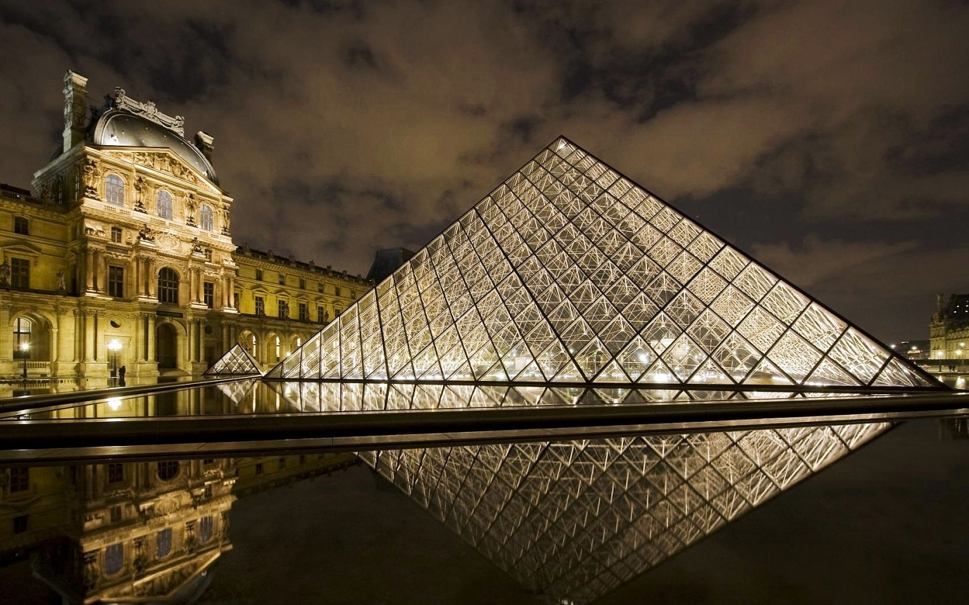Muzeul Louvre, gazda a peste 35 000 de exponate