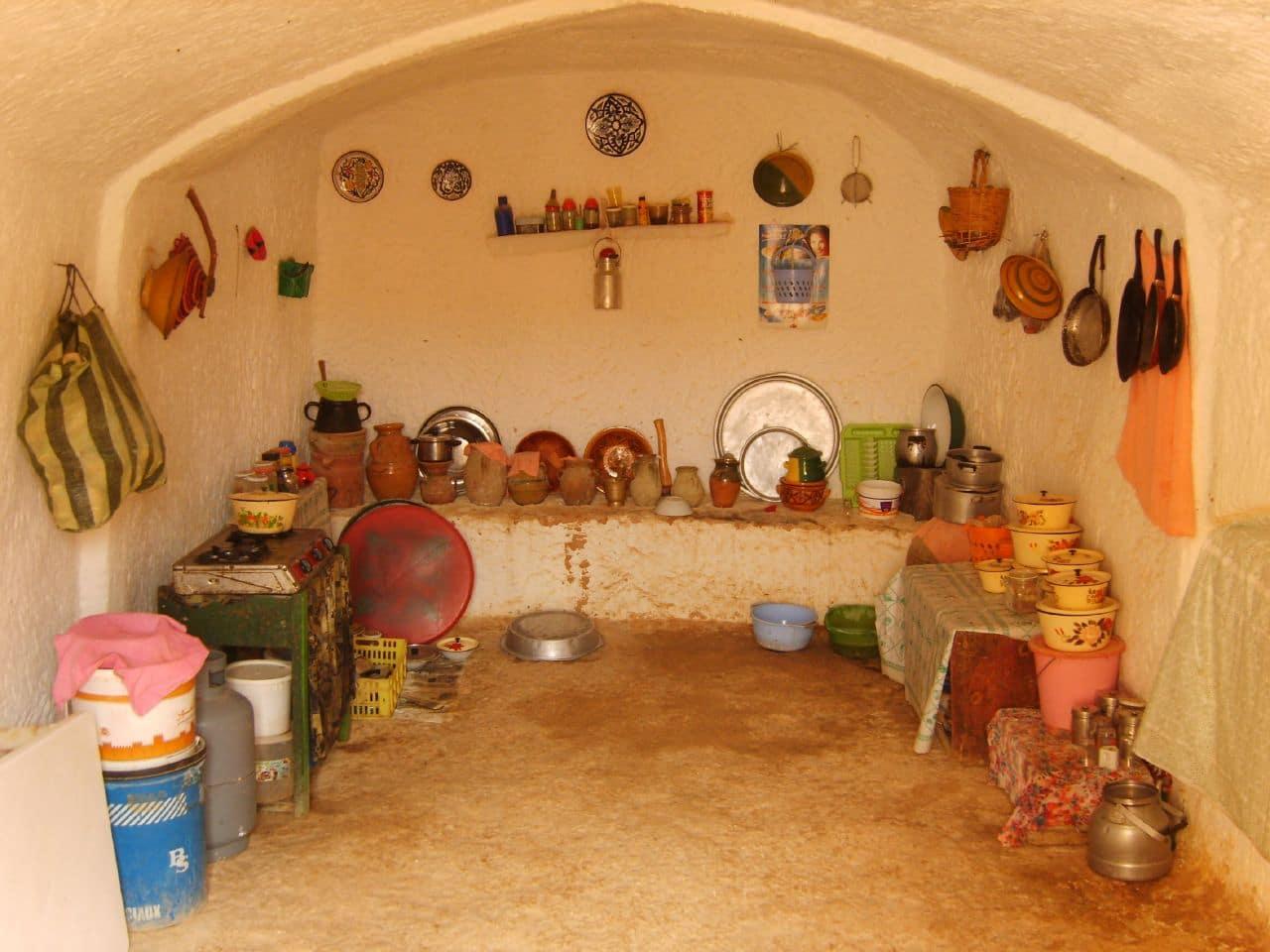 Locuitorii sunt mândri de obiectele lor tradiţionale