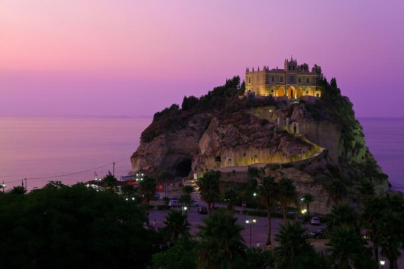 Mănăstirea Sfânta Maria, Tropea, Italia