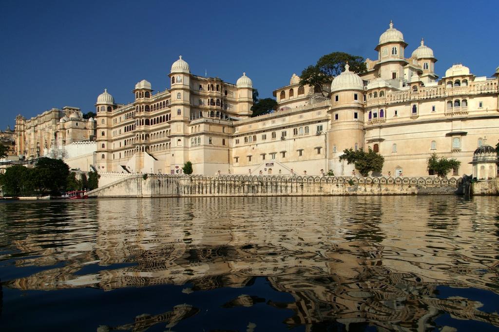 Palatul Oraşului, o construcţie impresionantă