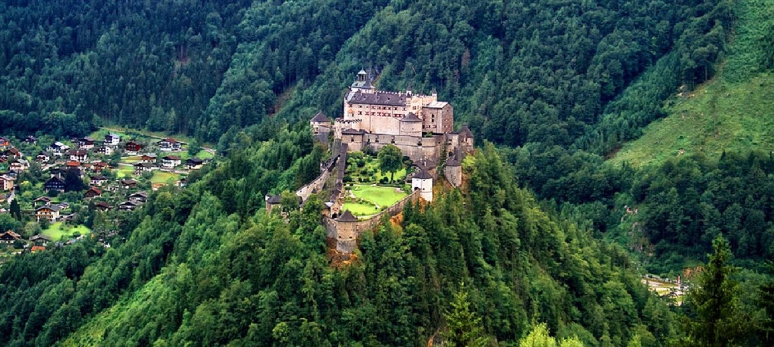Castelul Hohenwerfen din Austria - capsulă a timpului și a istoriei