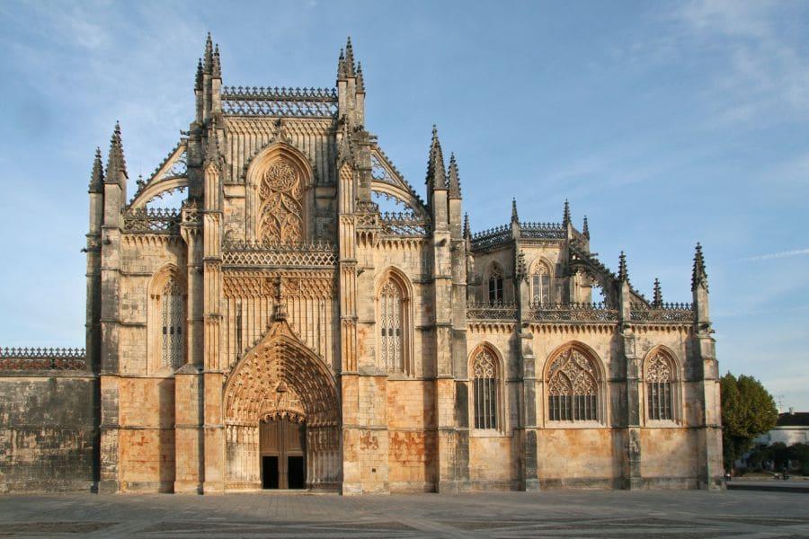 Coimbra se remarcă şi prin numărul mare de lăcaşe de cult