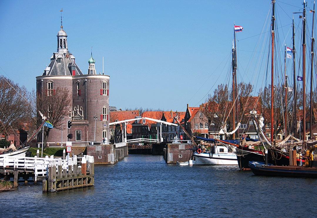 Enkhuizen este şi astăzi un important port al Ţărilor de Jos