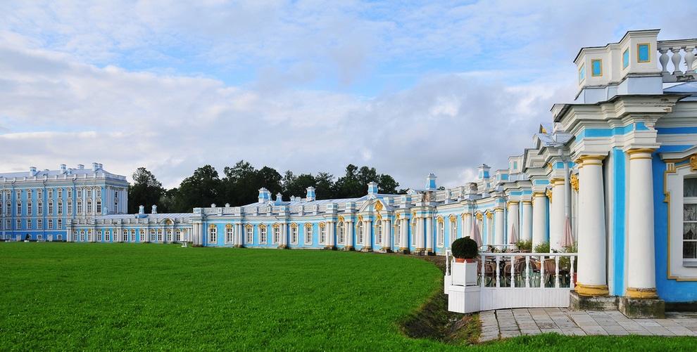 Palatul  Ecaterinei, o construcţie grandioasă