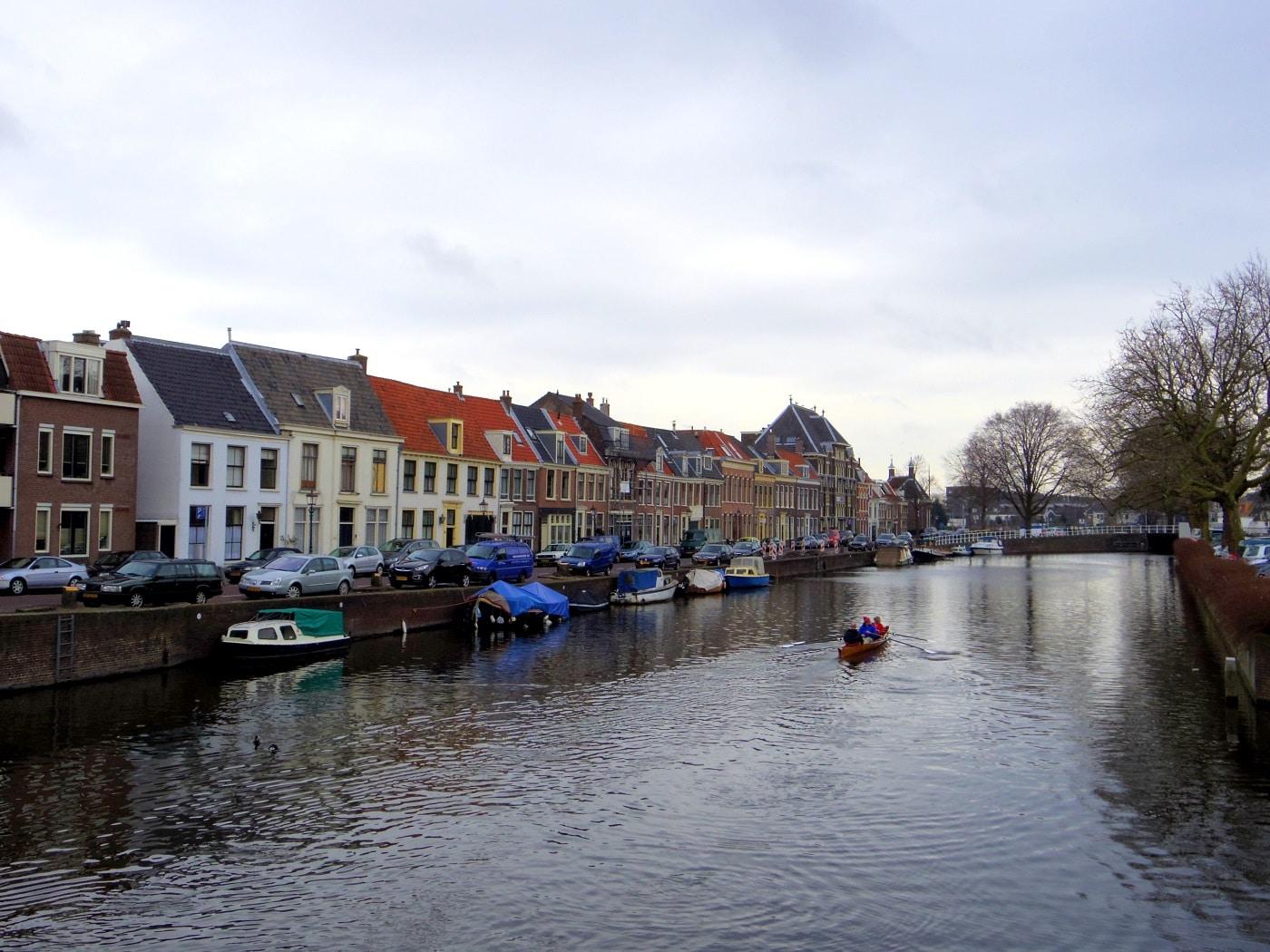 Plimbările cu barca, o activitate apreciată de către vizitatori