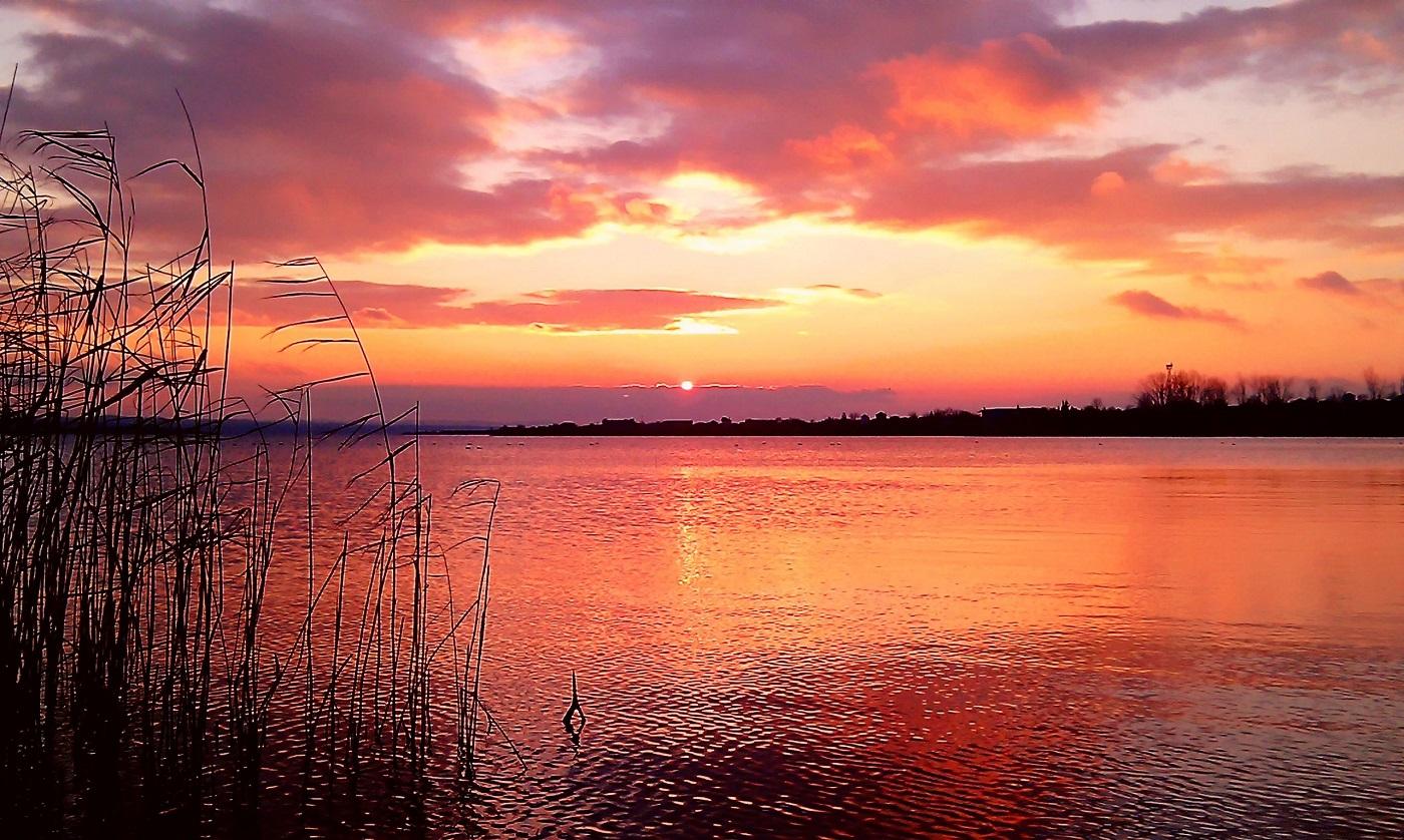 Un splendid apus de soare în Burgas