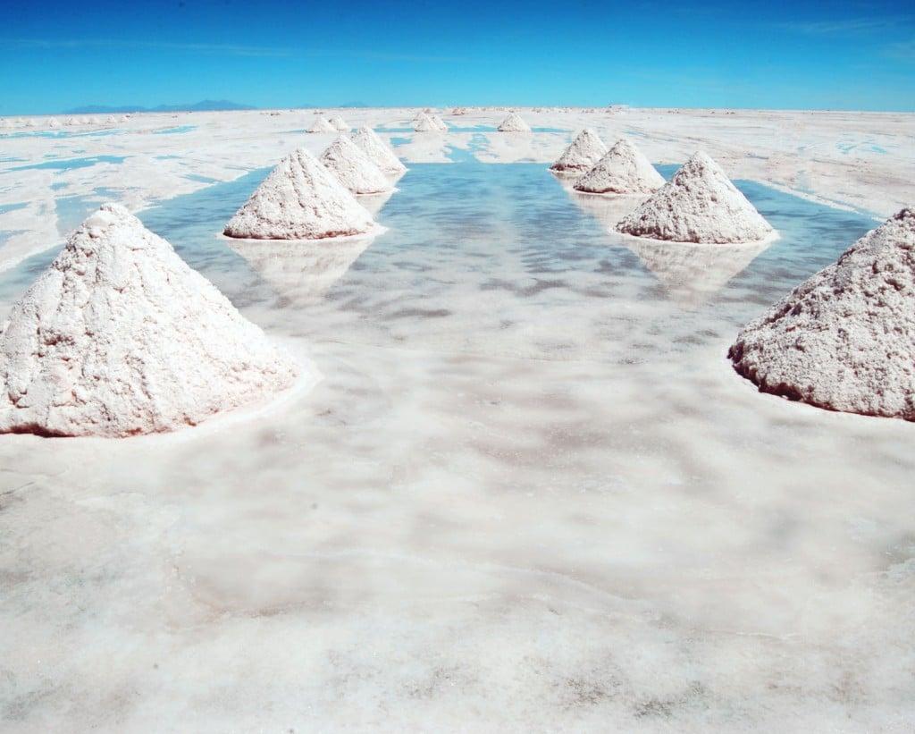 Salar de Uyuni , cea mai mare întindere  de sare din lume