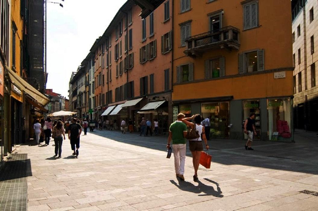 Stradă pietonală în Bergamo