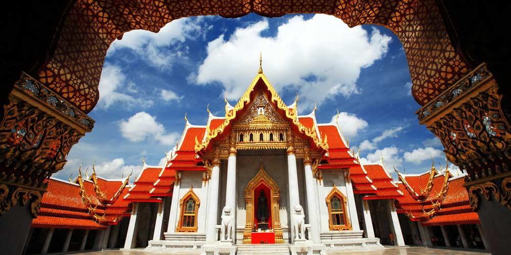 La construcția templului a fost folista marmura, dar și aur din belșug