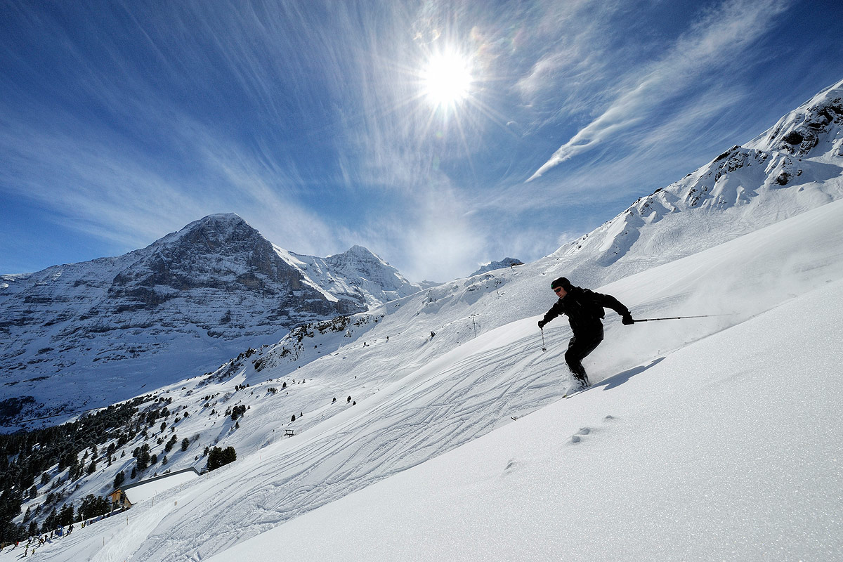 Pârtii de ski, unul dintre motivele pentru care turiștii vizitează zona