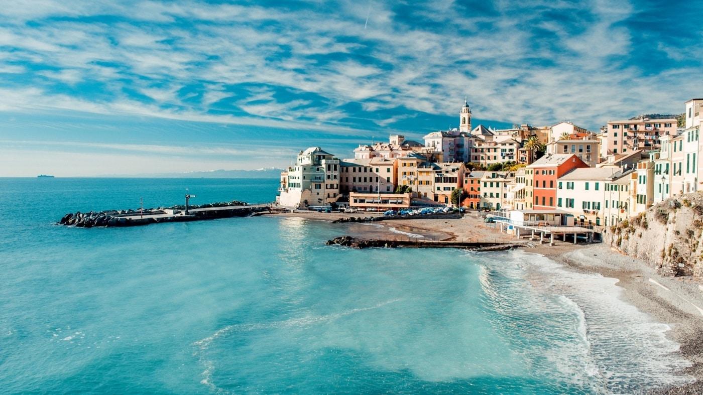 Plajele unice sunt ca un magnet pentru turiştii de pretutindeni