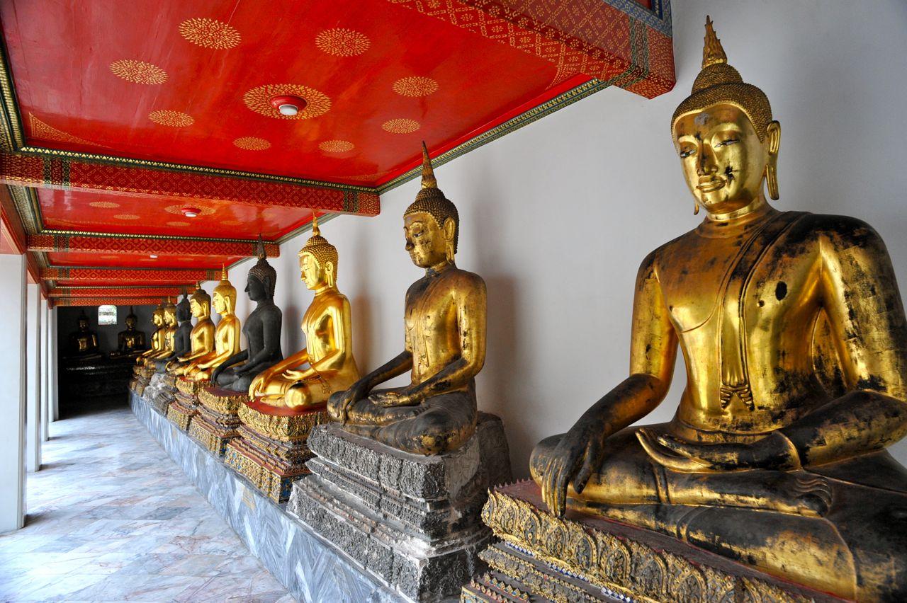 Statuile din bronz provin din diferite colțuri ale lumii