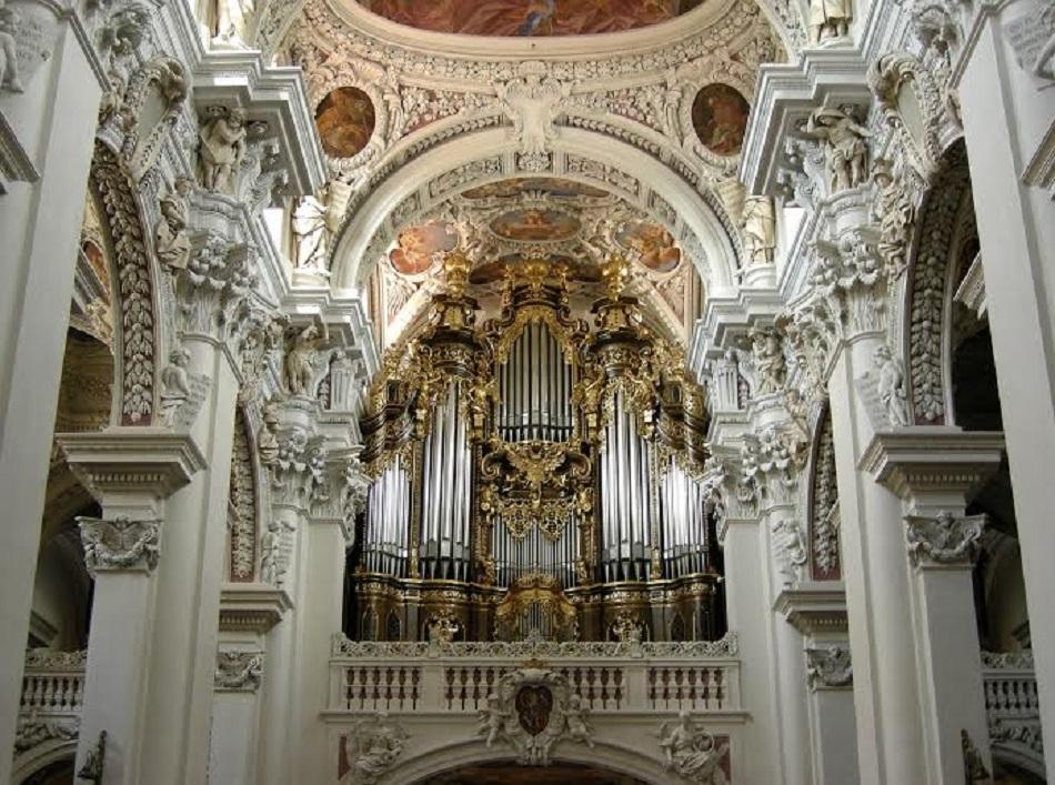 Orga din Domul Stephansdom  - cea mai mare orgă din lume