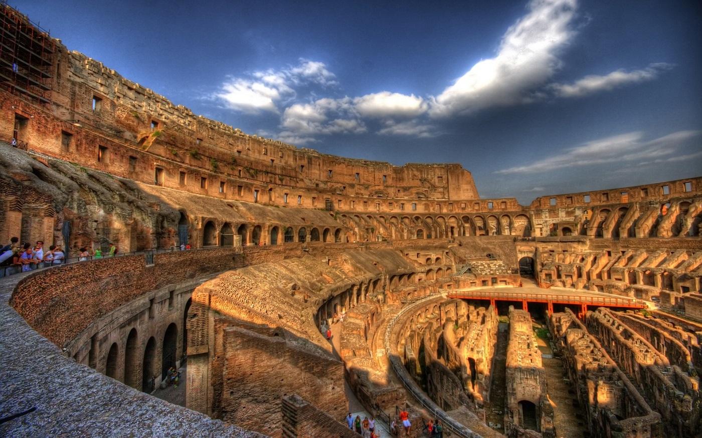 Colosseum, unul dintre cele mai frumoase monumente ale lumii