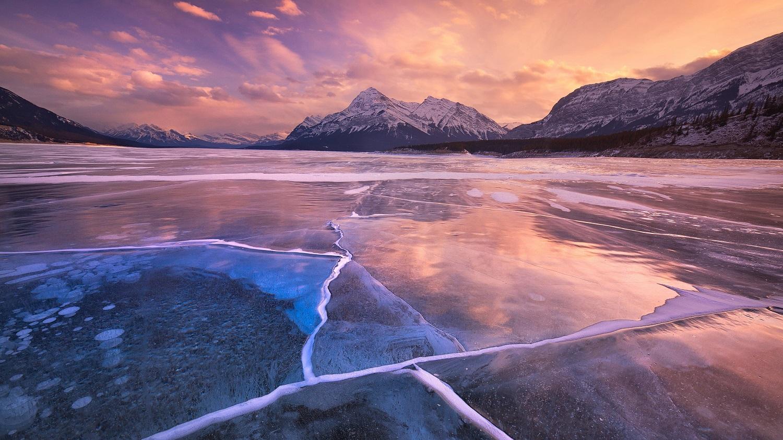 Lacul Abraham, cu adevărat spectaculos în timpul iernii