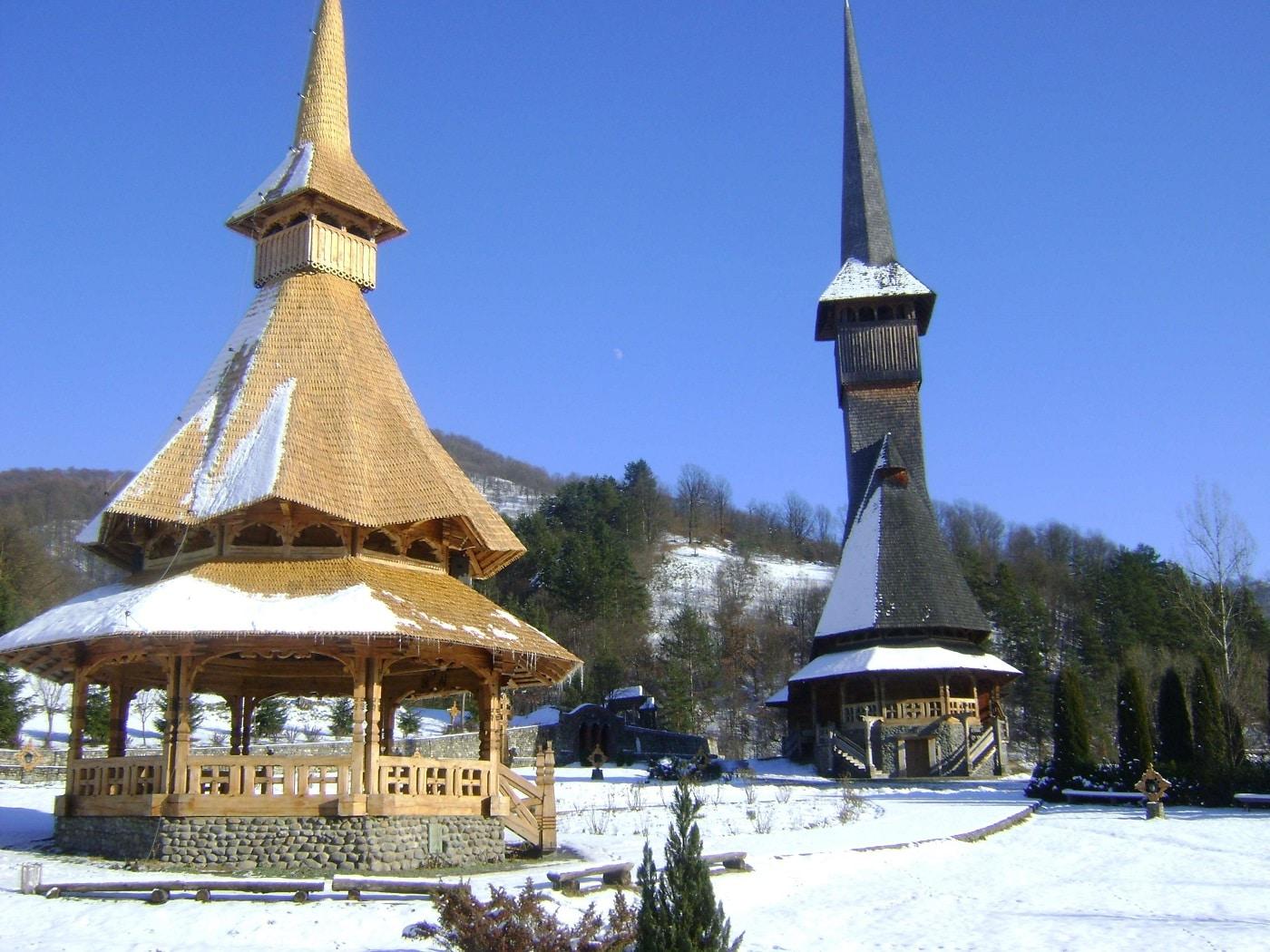 Mănăstirea Bârsana, iarna