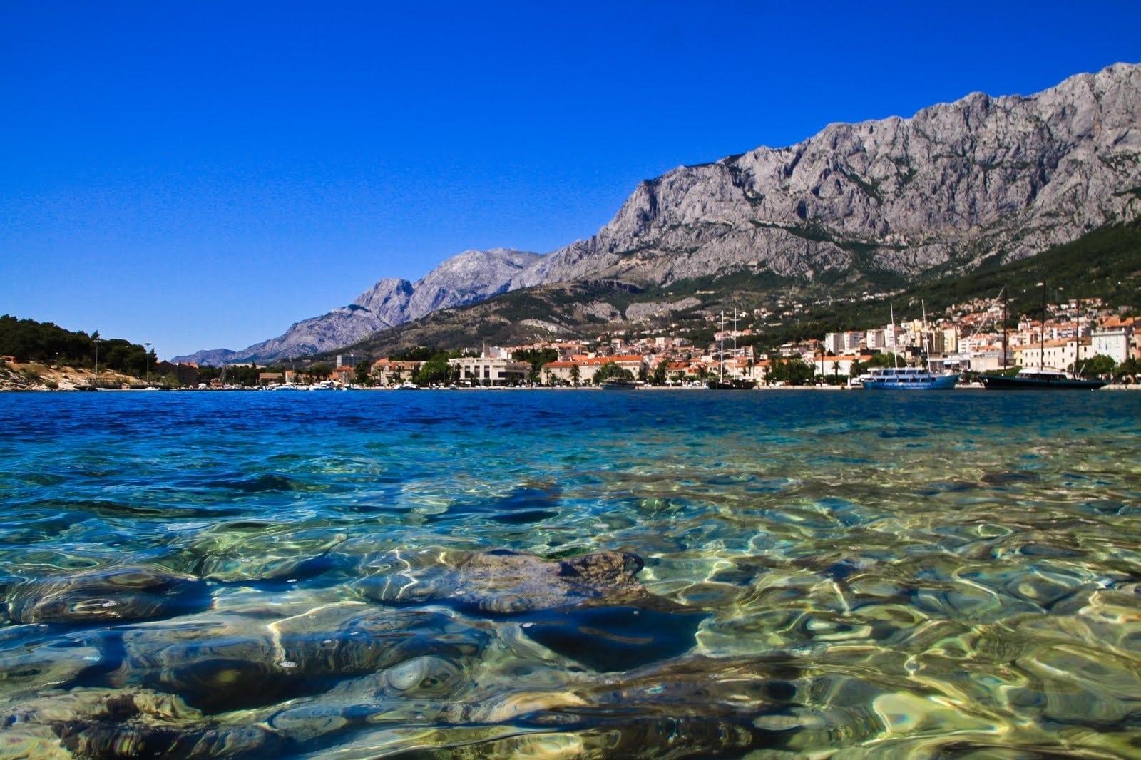 Plaja din Makarska, Croația - o oază de liniște și frumusețe naturală
