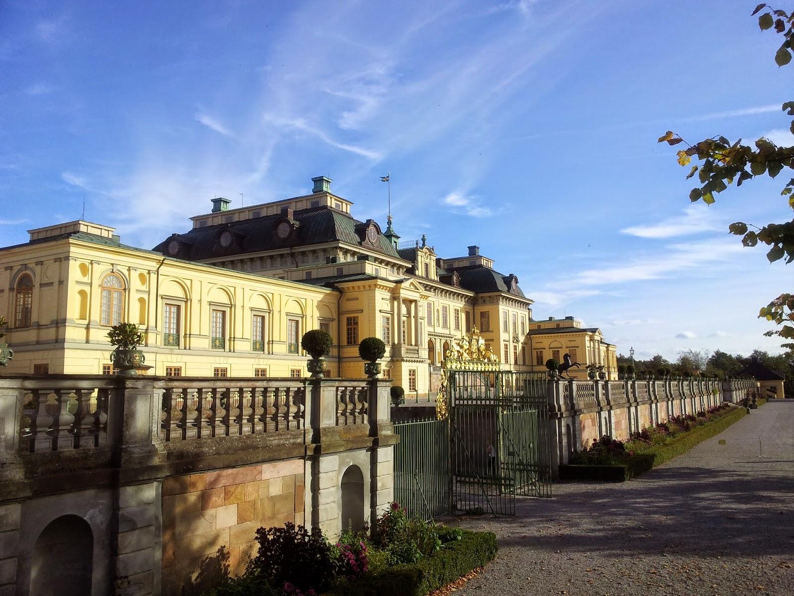 Palatul Drottningholm este una dintre cele mai frumoase construcţii din lume