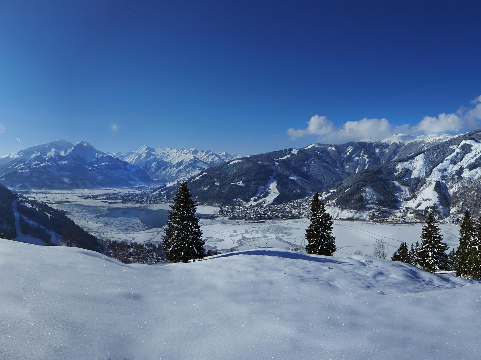 Peisajele de iarnă crează o atmosferă specială