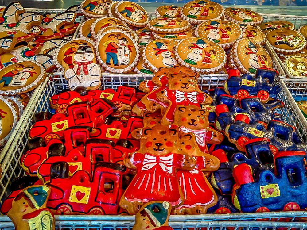 Produse tradiționale comercializate în Piața de Crăciun